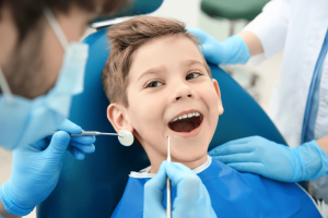 Quando levar a criança no dentista