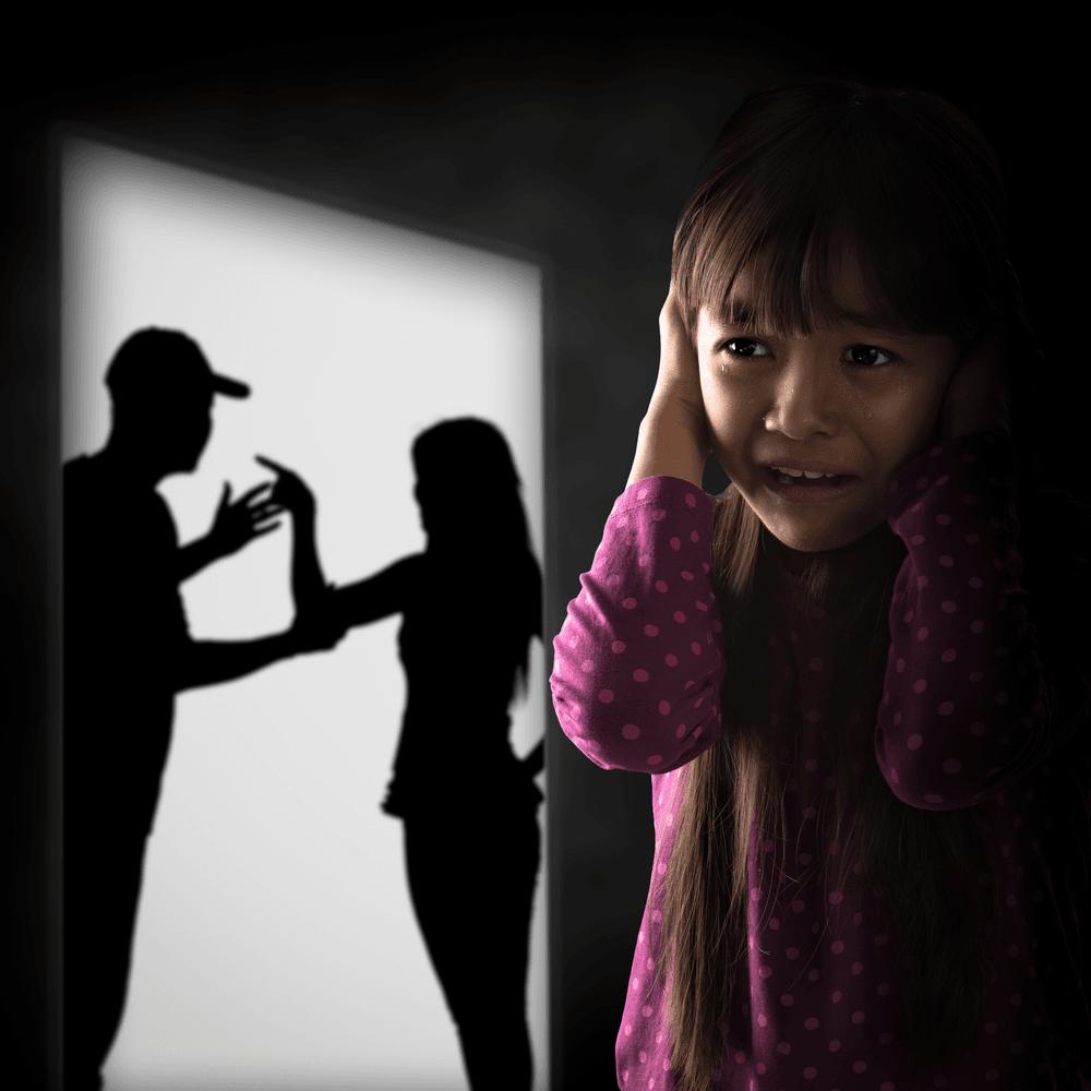 briga dos pais na presença dos filhos